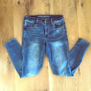AE High Waist Dream Jean Size 6R